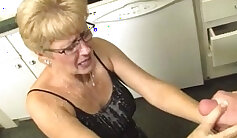 Chinaki chick grandma sexily gets rammed and facialized