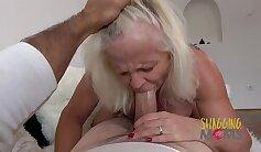 BBW prefers mature male cock