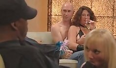 Bisexual swinger couples pounded at a party