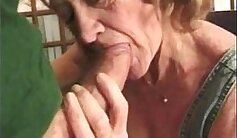 Amateur Russian Granny fucked to hot money