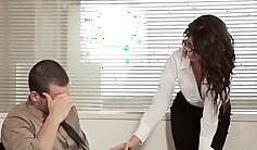 Christie Stevens Hope To Suck Cock Of Her Boss in the Office