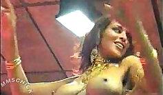 Arab girl nude dance with muslim border crossing