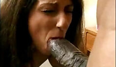 Cute brunette MILF spoiling her client movietures